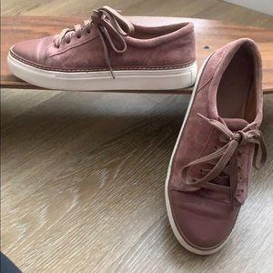 Size 6 Caslon velour shoes